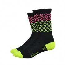 Defeet aireator high top chaussettes de cyclisme diamonds noir jaune rose