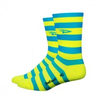 Defeet aireator high top chaussettes stripers bleu jaune