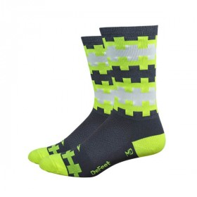 Defeet aireator high top chaussettes neon yellow graphite steps